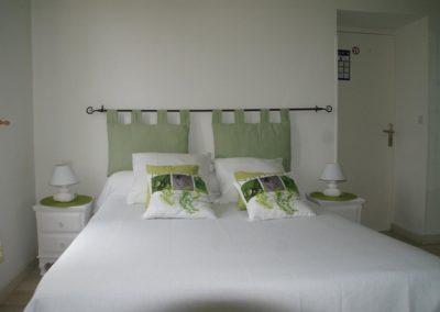 Gîte à villandraut, chambre rénovée verte