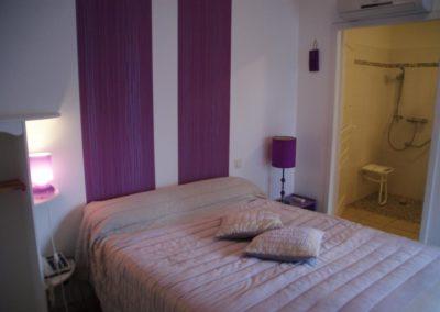 Chambre à thème violette